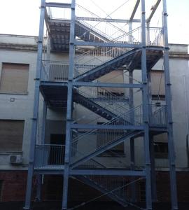 Scale di sicurezza e scale antincendio - Scale esterne prefabbricate ...